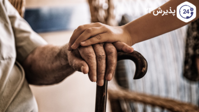 آلزایمر | دلایل، پیشگیری، راه درمان | یکی از بیماری هایی که دهه های اخیر بیش تر راجع به آن صحبت شده و اخبار جدید راجع به آن شنیده می شود بیماری آلزایمر است. چون هنوز ناشناخته های زیادی راجع به این بیماری وجود دارد.
